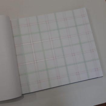 photo ۲۰۱۹ ۰۶ ۱۶ ۲۰ ۱۵ ۰۷ 350x350 - کاغذ دیواری اتاق کودک طرح چهارخونه کد BQ271101